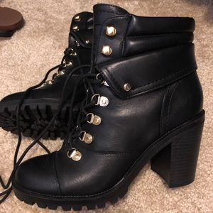 Ankle booties, brand new!